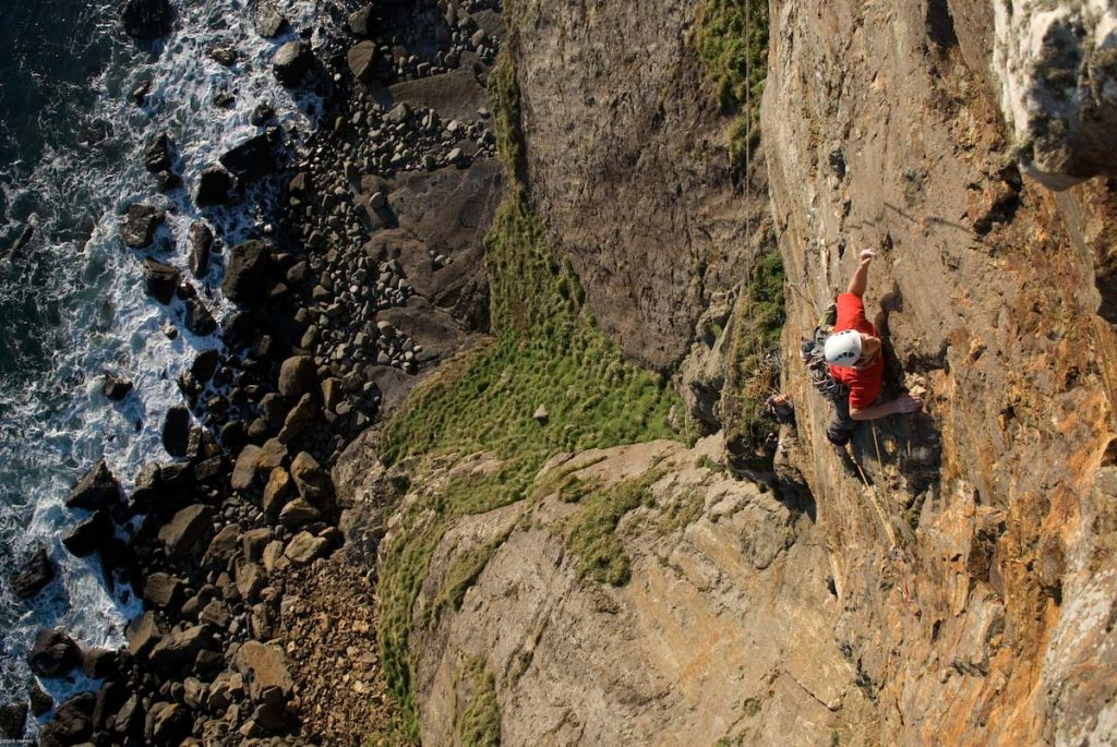 Sam Underhill testing himsefl on Craig Dorys with an ascent of Absent Friends, a demanding E5.