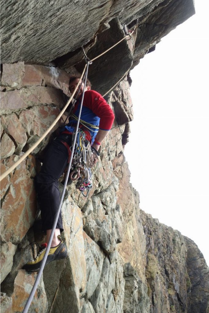 Alex Mason about to cruise up the Yellow Walls Classic The Drunk E6 6b.
