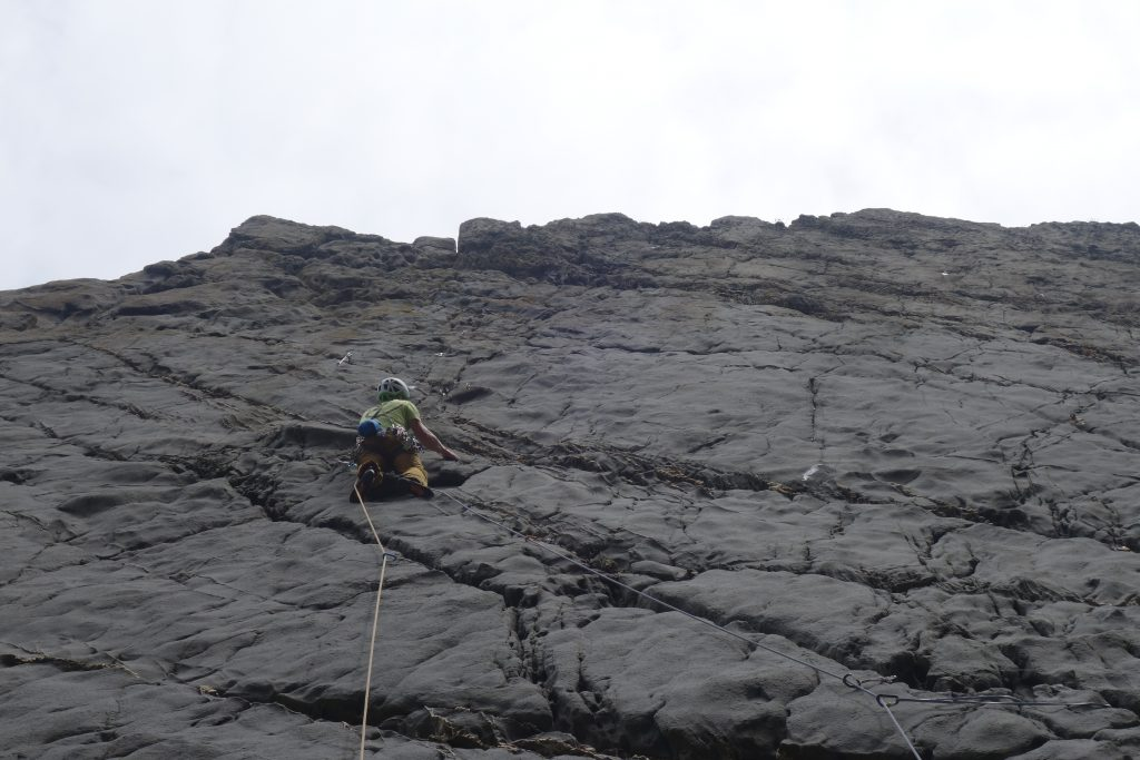 Simon Lake climbing the classic route Fay, E4 at lower sharpnose point. No pushjovewr for the grade either!