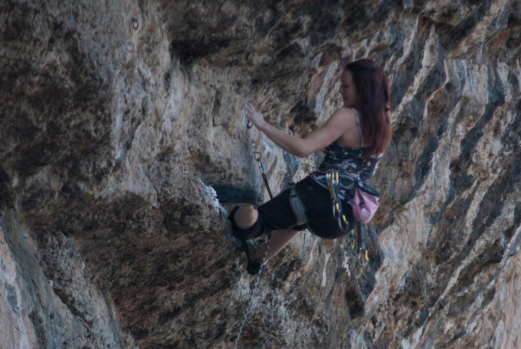 Emma Twyford drop-kneeing her wya to victory on Over the Moon Direct, 8a. LPT, Great Ornes.
