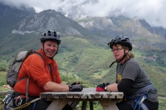 Enjoying a day off with friends in the Picos Du Europa with a combination of mountainbiking down from Fuente Du and a via ferrata and lunch at the top.