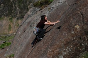 Mark reeves on the esoteric Glass Flipper, a HVS slab made of Grit-type rock in the Llanberis Pass.