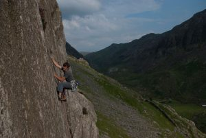 Not Too hard for Dave Rudkin! A little gem of a climb on Dwys Y Gwynt, oo Hard for Jim Perrin, E1