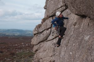 Kate Carothers on the amazing Aviator, E1 during our UK trad Tour.