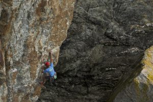 Mick Lovatt on the start of Gimble in the Wabe that shares the same start as Megellans Wall at Rhoscolyn.