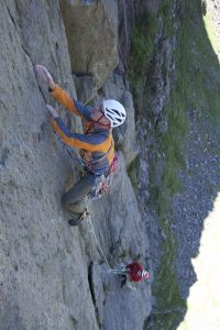 Derek on the amazing finger crack of The Link on Dinas Mot.